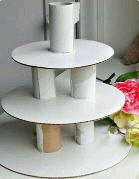 Cake Tray made with Cardboard