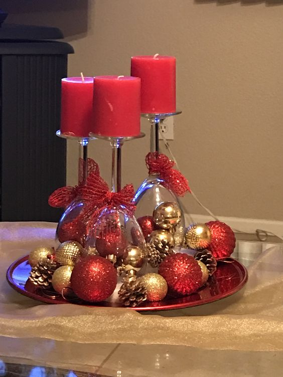 Sparkling Baubles Wine Glass Centerpiece