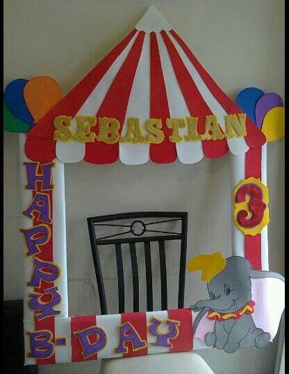 DIY Circus Photo Frame