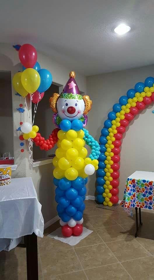 Clown balloon decoration
