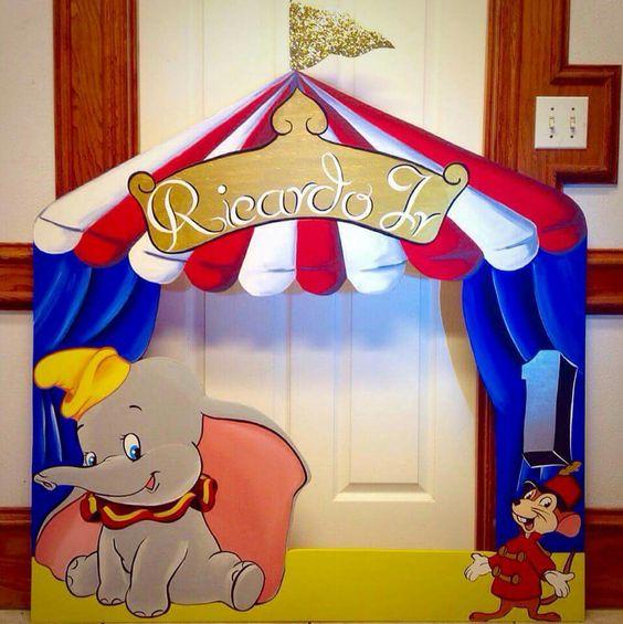 Dumbo Photo frame prop