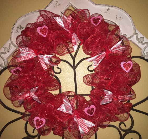 Valentine's Day Wreath #valentines #dollarstore