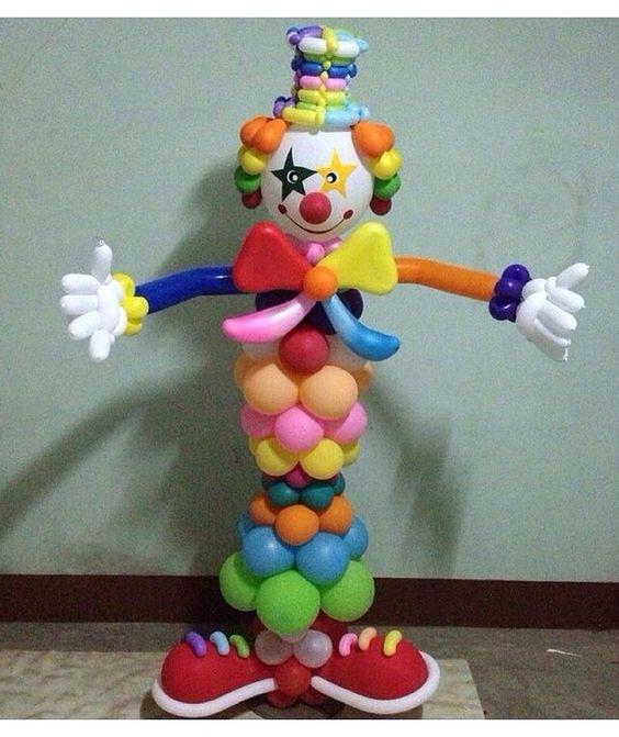 clown balloon column