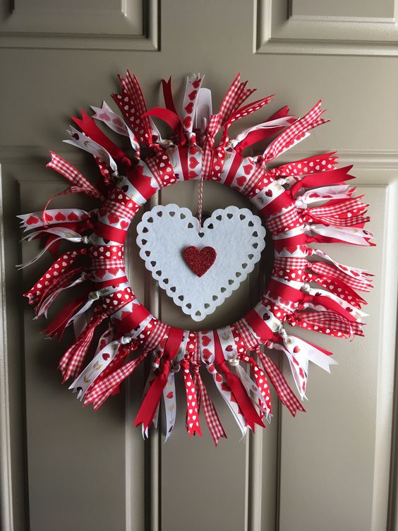 Valentines Day Wreath #valentines #dollarstore