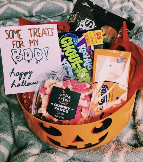 Halloween Gift Baskets For Boyfriend Castle Random