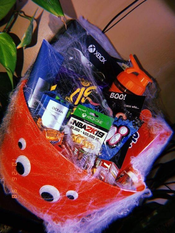 Halloween Gift Baskets for Boyfriend